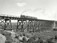 1902  Chicago&northwestern railway viaduct over the Des Moines river. photo by  William Henry Jackson