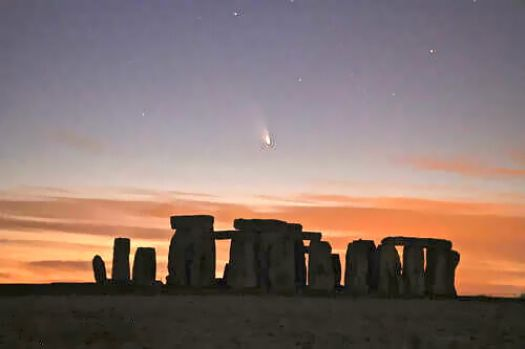 STONEHENGE AND THE COMET PAN-STARRS - 2013