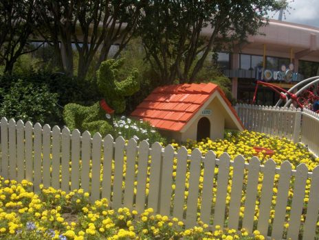 """Pluto"" and his House at Epcot Flower Festival"