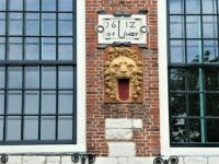 Many old houses in Brielle still have their 'plate' on them with the building date and the name of the house.