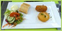 Kaas en garnaalkroket.  Cheese and shrimp croquette.