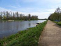 Řeka Labe před Pardubicemi