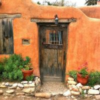 Adobe home Santa-Fe-door