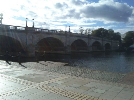 Another view of Kingston Bridge for SandiT and elf75