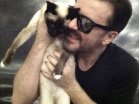 Ricky Gervais......Cat Lover