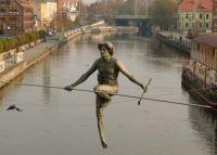 Bydgoszcz, Przechodzący przez rzekę