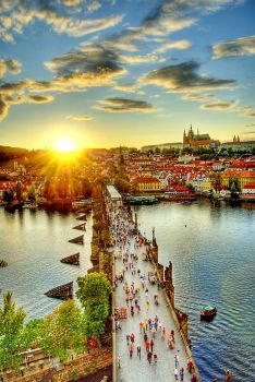 Charles Brige and Prague Castle, by Edgar Barany on flickr