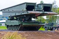 Leopard 2 Mobile bridge