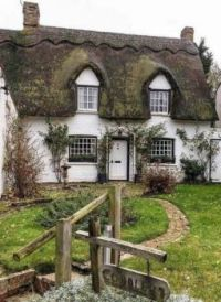 Cobblers Thatched Cottage