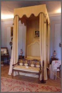 Zámek Nelahozeves -  dámská ložnice...  Chateau Nelahozeves - women's bedroom ...