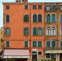 Corner Snackbar Venice