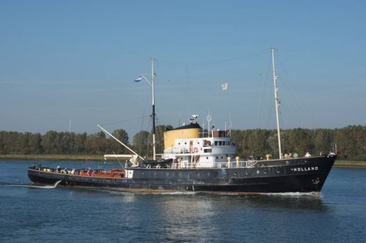 "Old deep-sea tug ""Holland""."