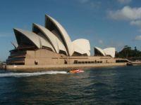 Sydney Opera by Jorn utson