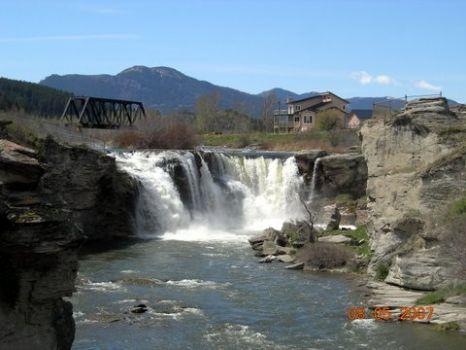 1-Lundbreck Falls