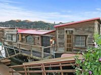 Shel's houseboat up for sale!!