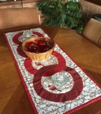 Table runner with bird fabric
