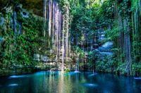 Sacred Cenote Azul, Chichén Itzá, Yucatán, Mexico