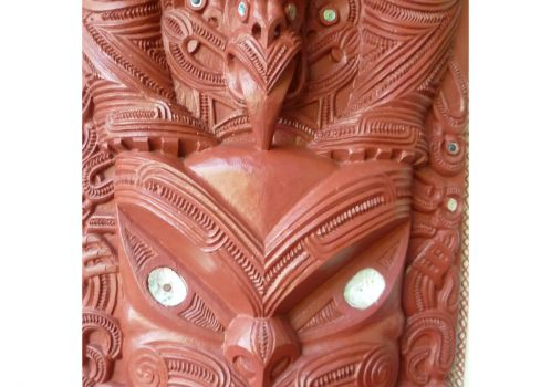 Maoricarving_Meeting house-Waitangi NZ