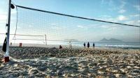 Early beach tennis training