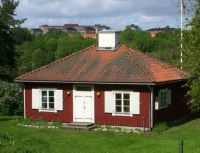Little red house in Dianelund, Sweden, by Holger.Ellgaard (pic cropped)