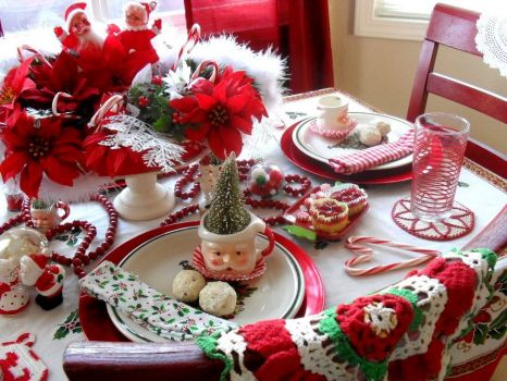 Christmas Table with Crochet!