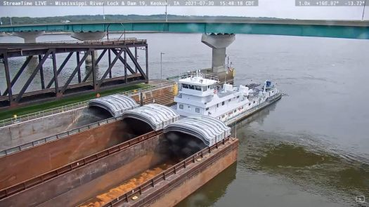 Cooperative Vanguard with 3W X 3L Barges (Upbound) - Mississippi River Towboat - Keokuk, IA (2021-07-30)