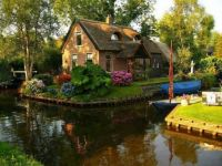 The 'Venice of Holland', Giethoorn Netherlands (2)