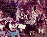 1968 schlitz visit bish palace chi2