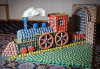 Canstruction train
