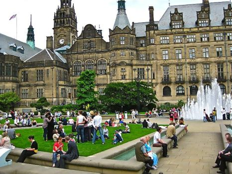 SHEFFIELD - TOWN HALL & PEACE GARDENS 2