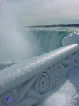 Frozen Niagra Falls, another time, but the same place!