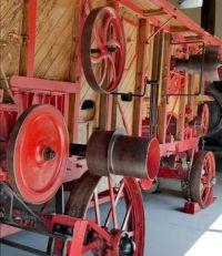 Wheels in red