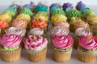 Spring flowers buttercream cupcakes