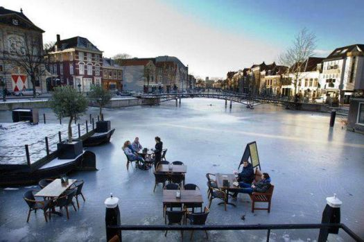 Breakfast on the frozen canal