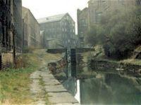 A cruise along the Huddersfield Narrow Canal (1057)