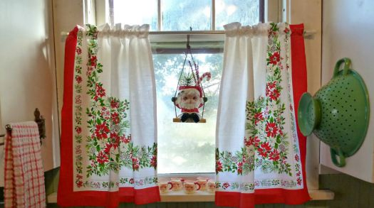 Curtains from Vintage Tablecloth!