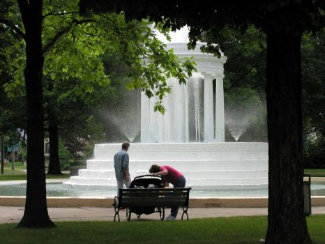 Summer Day at the Fountain