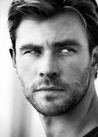 Chris Hemsworth in black and white