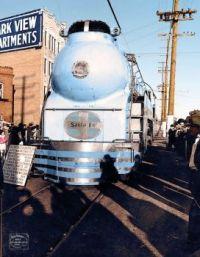 1938 - New Santa Fe streamlined steam locomotive Blue Goose