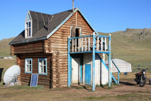 Modern cottage in Mongolia, photo by Sarah 罗美沙