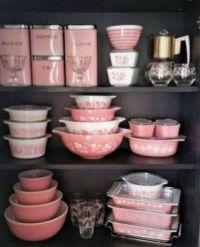 Vintage pink Pyrex- theme antique