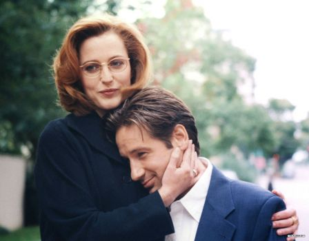 Gillian Anderson and David Duchovny in another promo shot for the X-Files