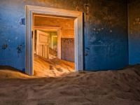 Abandoned house in kolmanskop in the Namib Desert