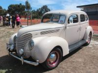 """Ford """"Model 81A"""" Deluxe - 1938"""