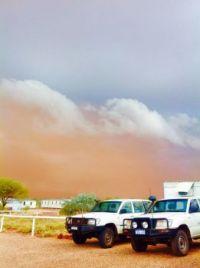 Duststorm  before the rain Wingellina