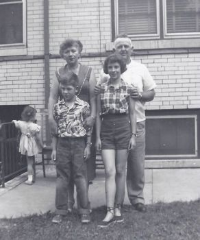 Bud Mary and kids 1954