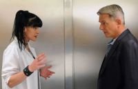 NCIS - Abby explains a key piece of evidence to Gibbs