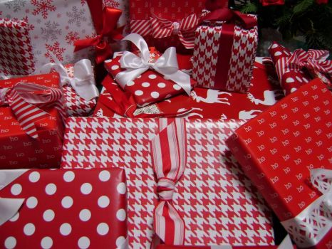 Red Wrapping or Wrapping Red
