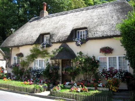 Thatched cottage in West Lulworth, Dorset.  Photo by Carol Walker