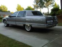 1996_cadillac_fleetwood_base_sedan-pic-9089126912223382825